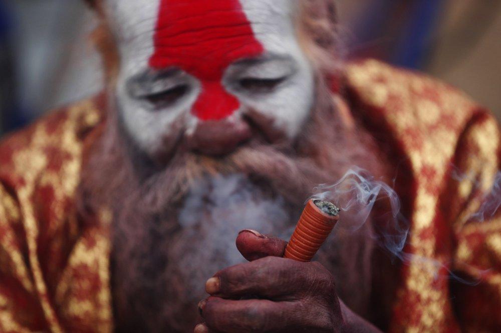 Több ezren szívtak kannabiszt a Nepáli hindu fesztivál ideje alatt – #mke